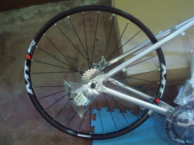 Shimano MT15 - Rear Wheel set
