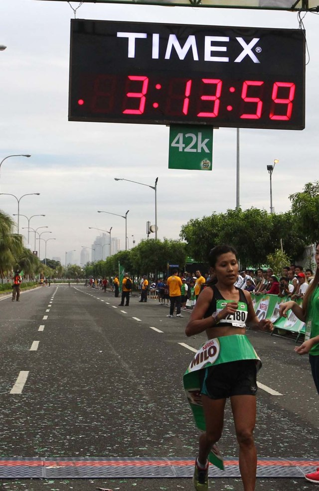 Female Winner Luisa Raterta crossed the finish line in 3 Hours, 14 Minutes and 17 Seconds