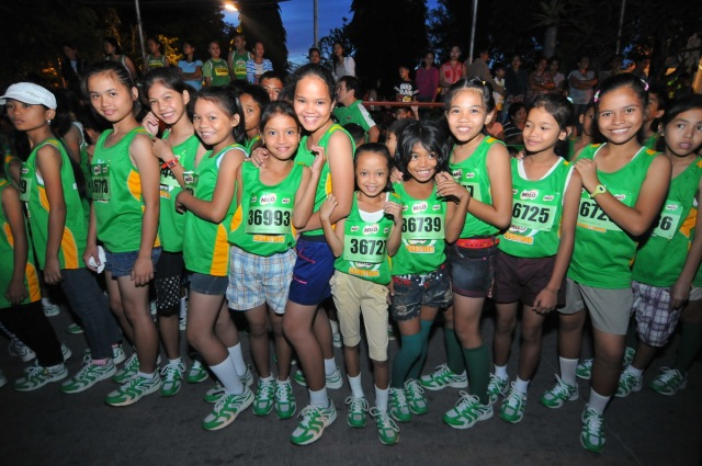 The Help Give Shoes Advocacy reaches the 28,700 mark at the eighth qualifying leg of the 37th National MILO Marathon in Tagbila