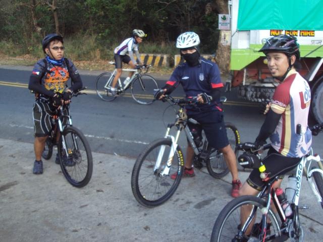 Kalongkong Hiker Laguna Loop 2 (2)