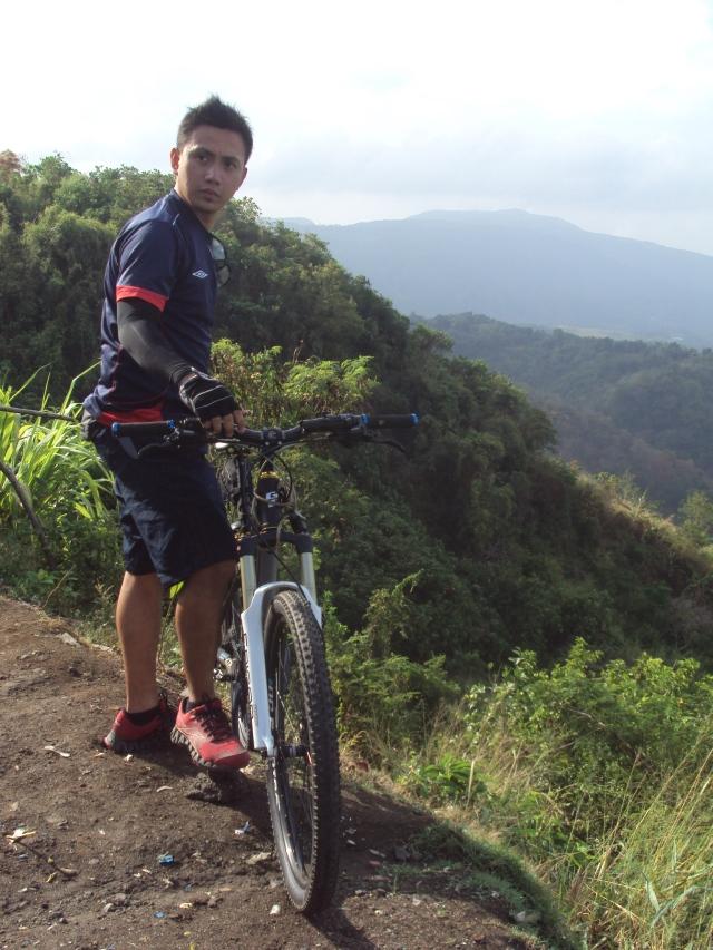 Kalongkong Hiker Laguna Loop 2 (7)
